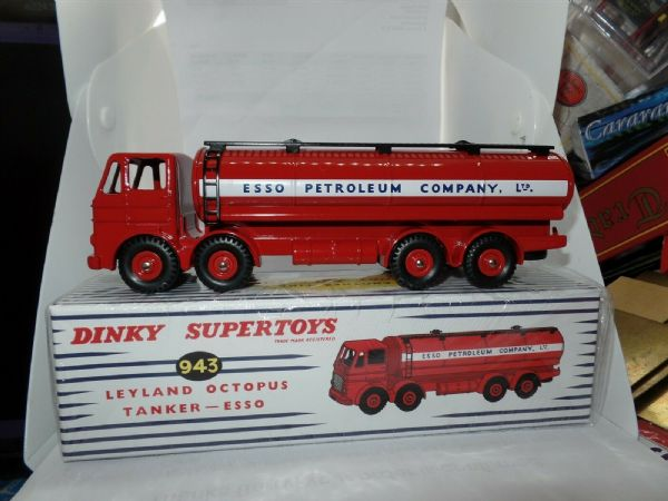 Atlas French Dinky 943 Leyland Octopus ESSO Tanker Lorry BRAND NEW.